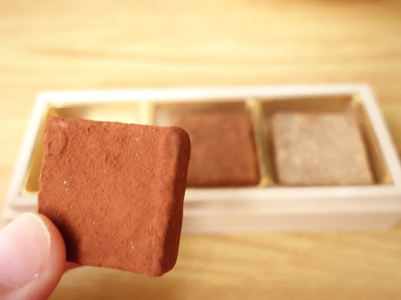 カカオが香るフレッシュ・チョコレート 中身アップ