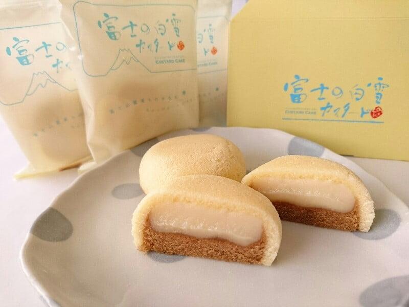 富士の白雪カスタードケーキ アップ