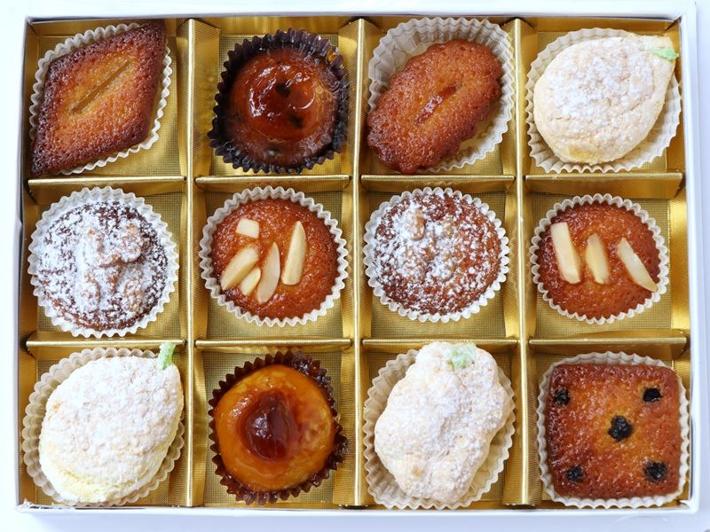 オーボン ヴュータン 半焼菓子 ドゥミセック 中身(全体)の写真