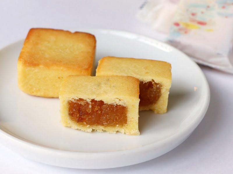 鳳凰の絵のパイナップルケーキ