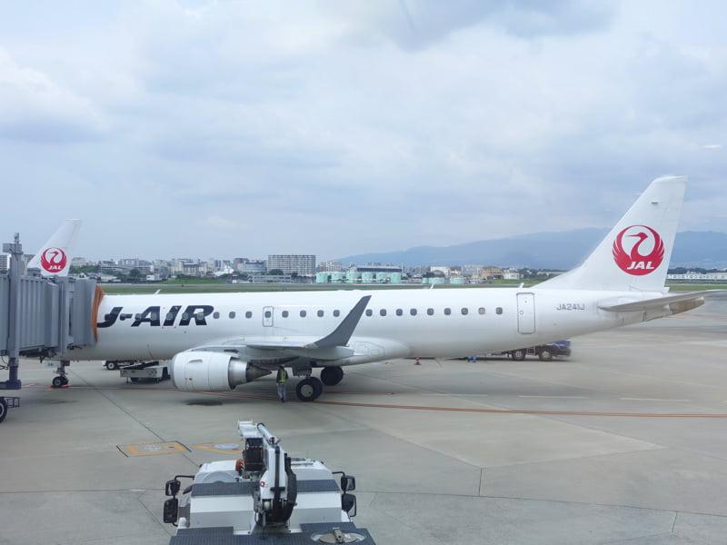 伊丹空港の北ターミナルにいるJALの便