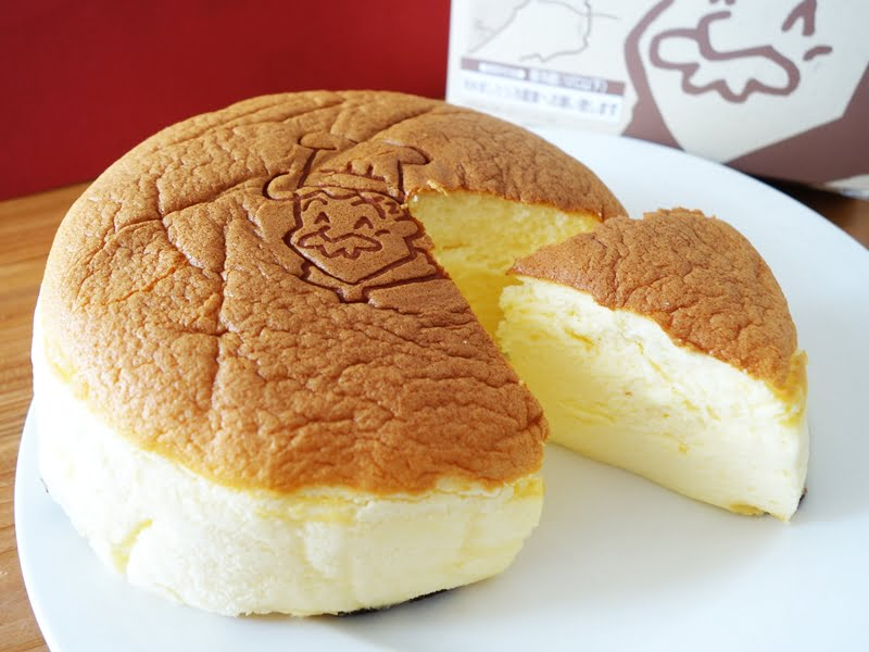 りくろおじさんチーズケーキ アップ
