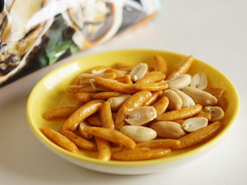 亀田の柿の種 牡蠣の浜焼き醤油風味中身