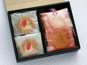 かば田めんたい味お煎餅開封した写真
