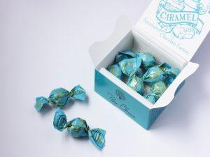 軽井沢チョコレートファクトリー チョコレートボールキャラメル 開封した写真