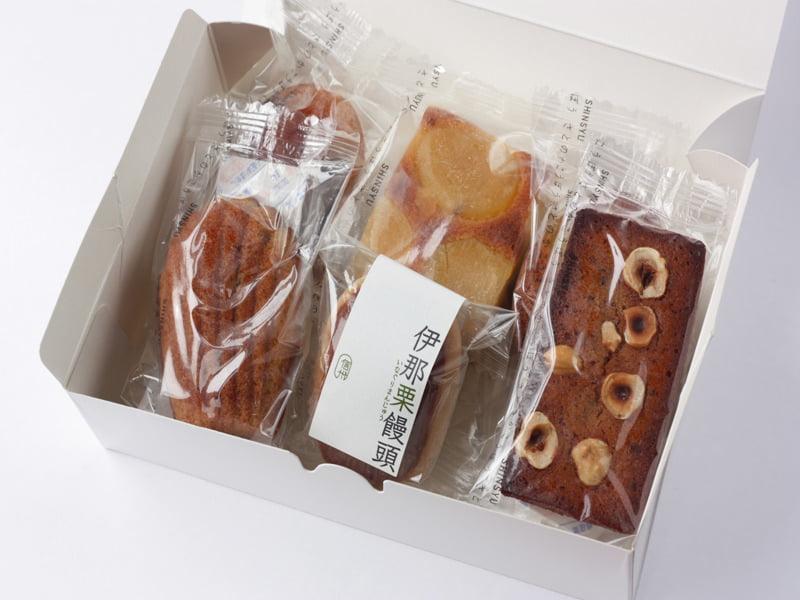 信州里の菓工房 陣屋の小判焼き菓子 開封した写真