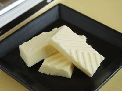 石屋製菓 恋するチョコレート ホワイトチョコレートと塩