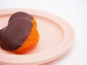 杏花堂 杏ビターチョコレート 中身の写真