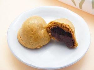 勝月堂 湯乃花饅頭 中身の写真