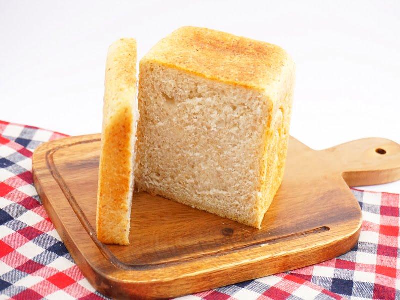 ベーグル屋ハル ミニ角食パン 中身の写真