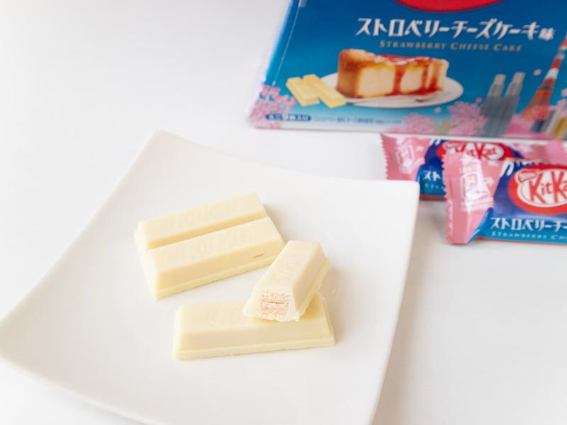 キットカットミニストロベリーチーズケーキ味富士山パック 中身